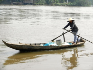 Rowing to the floating market.